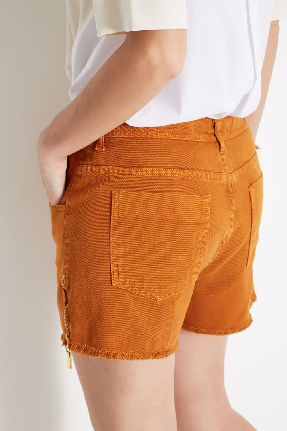 SHORT-SARJA-BOY-ZIPER-LATERAL-010205100001-SACADA