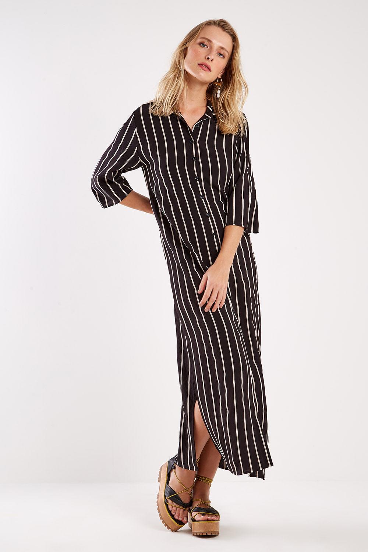 vestido chemise longo listrado preto e branco